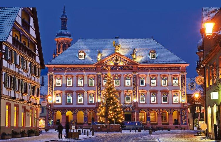 Gengenbacher Rathaus zur Weihnachtszeit